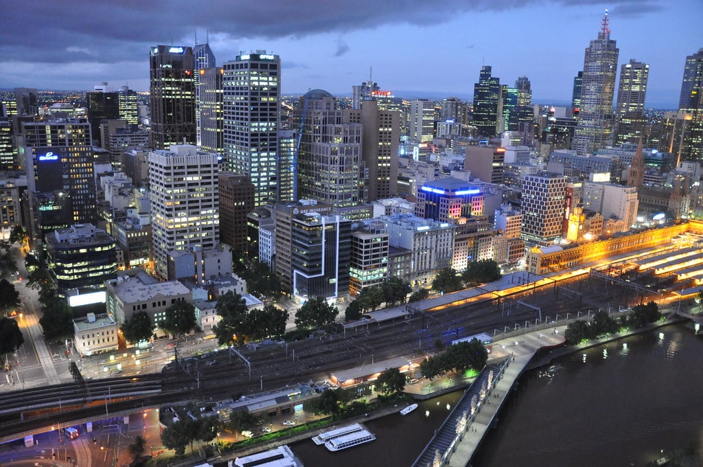 Driving In The Melbourne CBD For Learners | LTrent Driving Schol